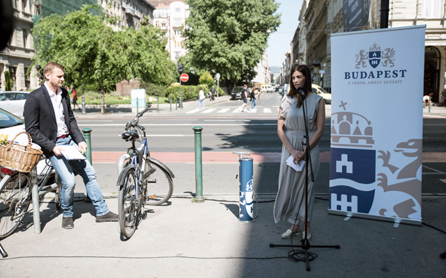 Alexandra Szalay-Bobrovniczky deputy mayor at the inaugural launch of the free of charge public bike pump system of the Municipality of Budapest